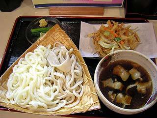 ざるうどん(白・田舎うどん合盛)3玉600円+肉汁50円