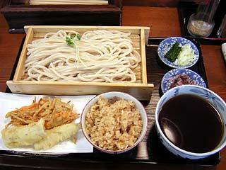 天ざるうどん900円+炊き込みご飯100円