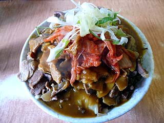肉カレー(ツユ追加)+キャベツ+キムチ540円