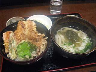 いかと野菜天丼セット950円