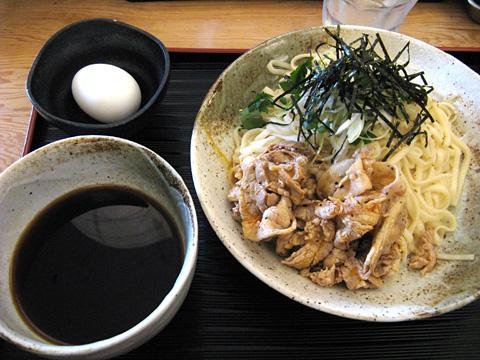 冷やしつけ肉うどん750円(大盛り)