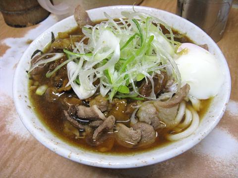 肉カレーうどん+温泉卵(ツユ足し)520円