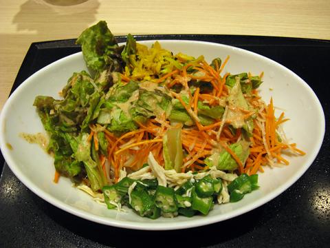 コクうまサラダうどん(小,一日分の緑黄色野菜,焙煎胡麻ドレッシング)504円