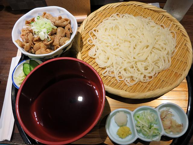 氷見うどん(冷・細麺、白海老しょうゆ)780円+ミニもつ丼200円