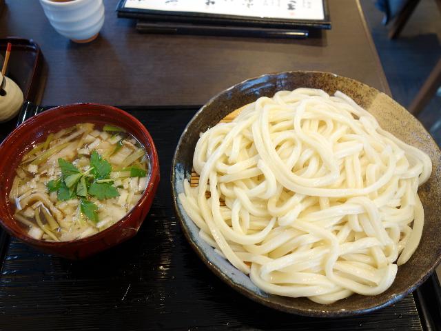 肉煮干しつけうどん750円+大盛り100円