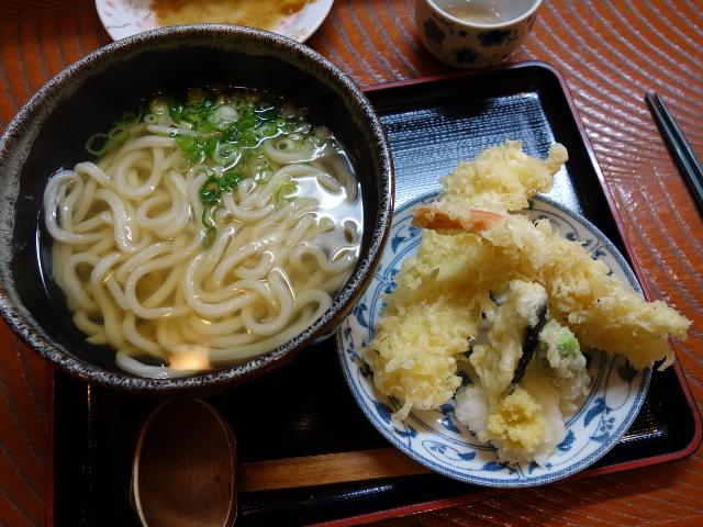 天ぷらうどん950円