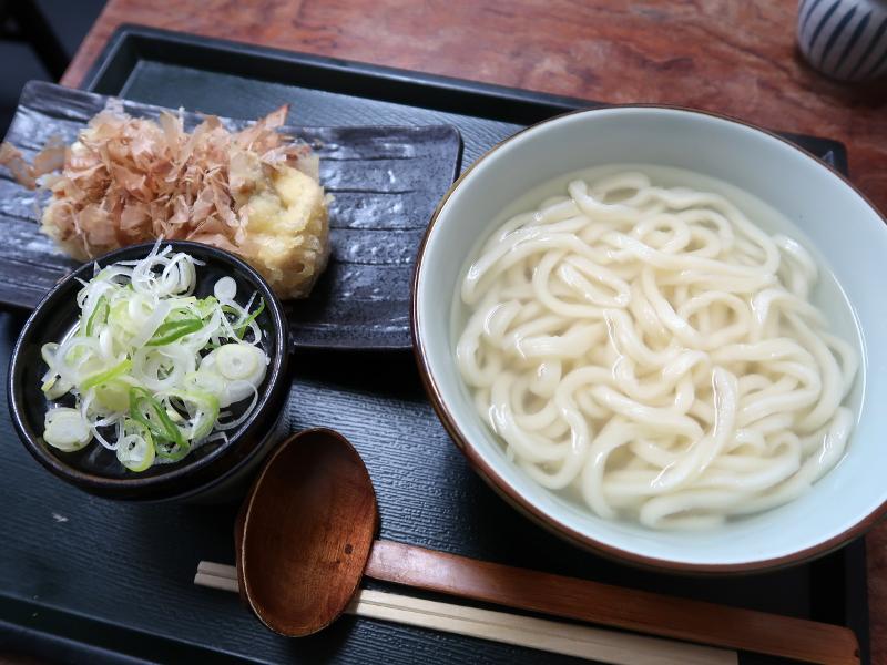 釜揚げうどん+栃尾納豆天のセット800円