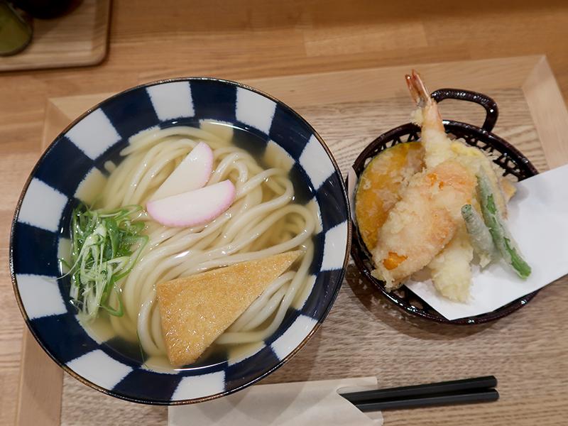 天ぷらとかけうどん860円