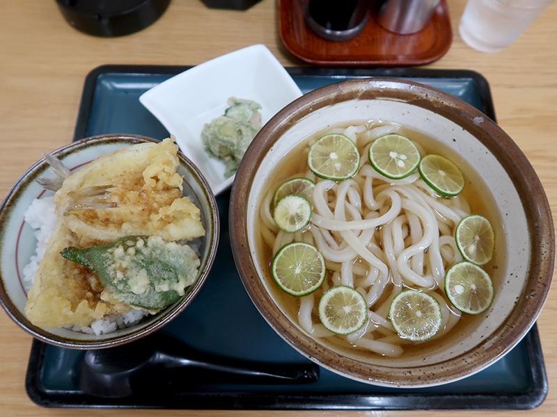 日替定食(すだちうどん冷+ミニキス天丼+小鉢)800円