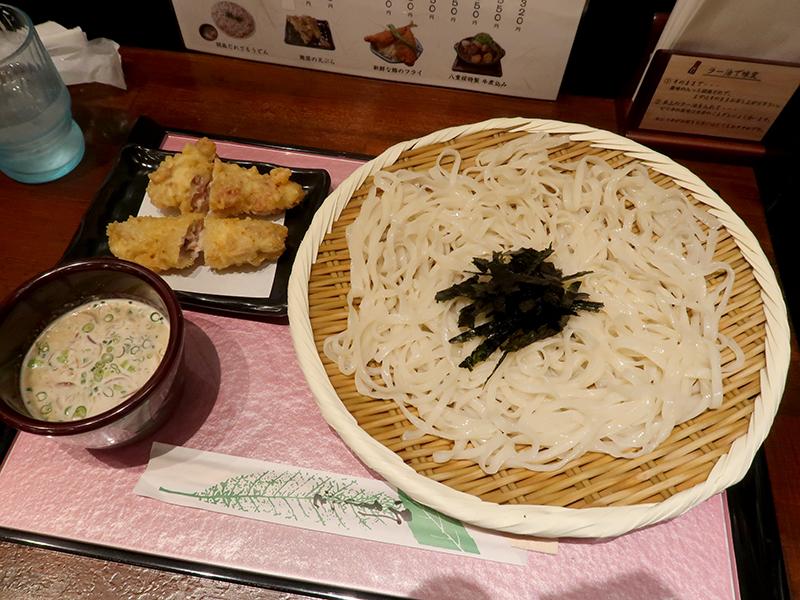 胡麻だれざるうどん900円+ねぎまの天ぷら440円